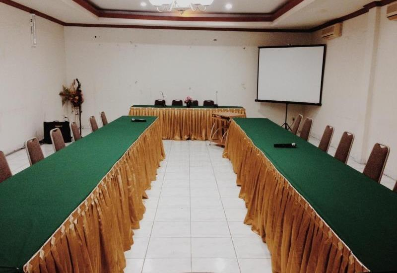 Hotel Yulia Gorontalo - Meeting Room