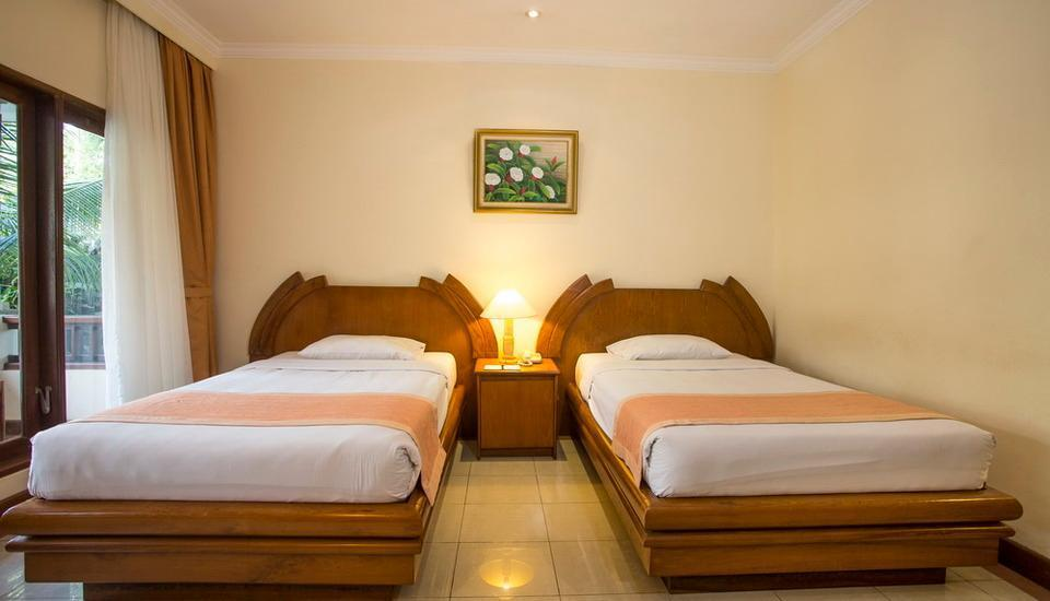 Parigata Resort N Spa Bali - twin bed