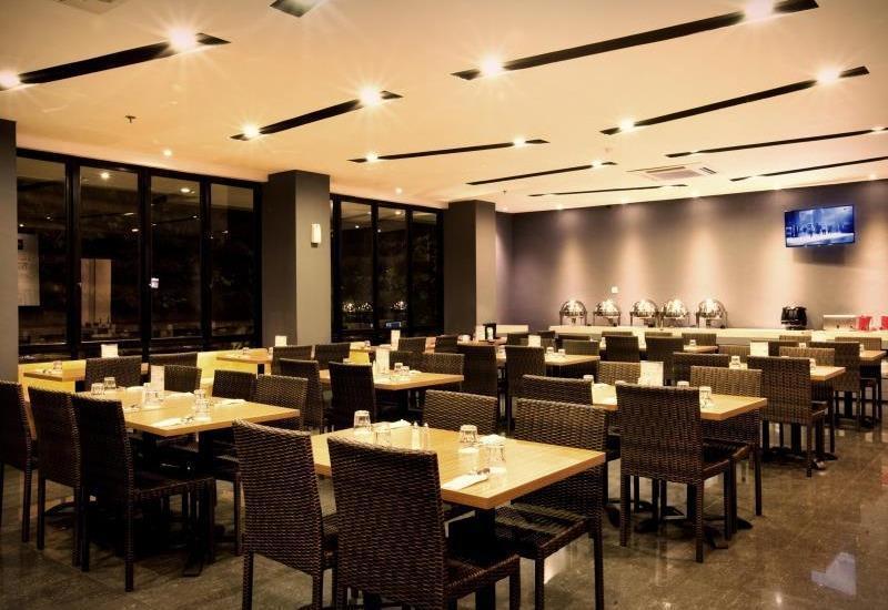 Fabu Hotel Bandung - Restaurant