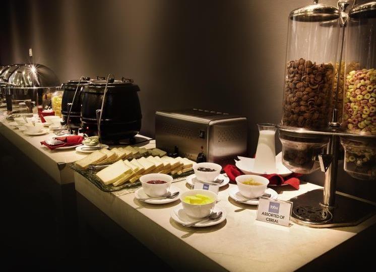 Fabu Hotel Bandung - Buffet Breakfast