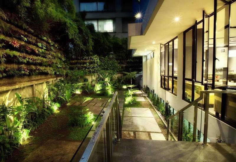 Fabu Hotel Bandung - Delicious Garden