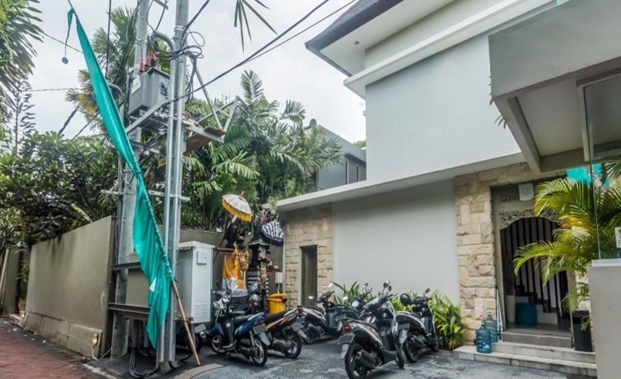 ZenRooms Seminyak Kayu Jati Bali - Eksterior