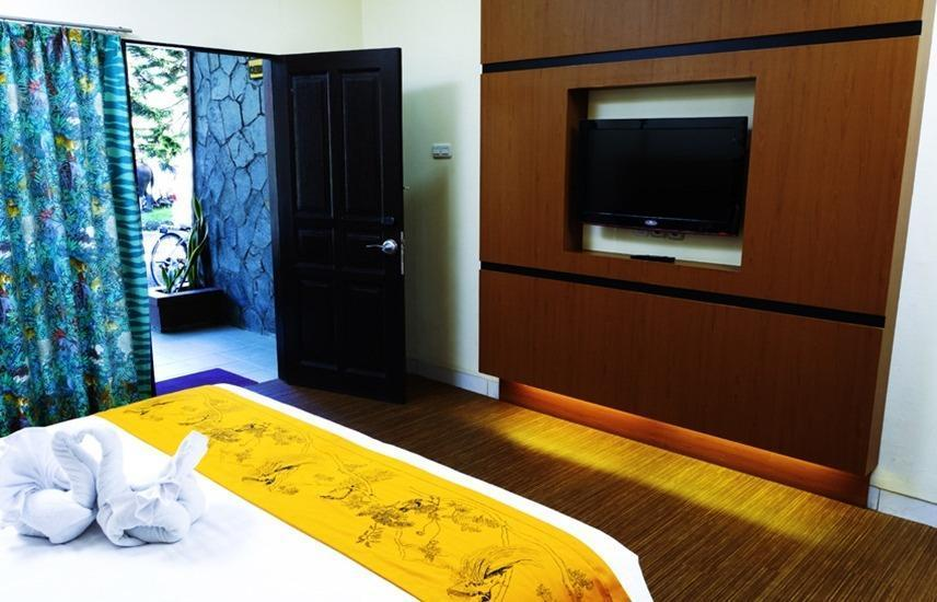 Royal Safari Garden Resort and Convention Bogor - Executive New Giraffe Room Only Regular Plan