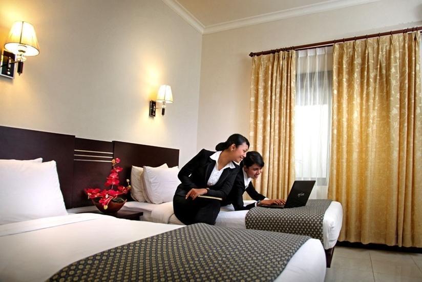 Ollino Garden Hotel Malang - Kamar Moderate