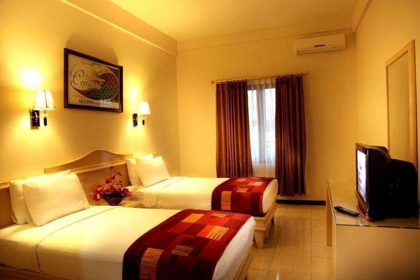 Ollino Garden Hotel Malang - Kamar Superior