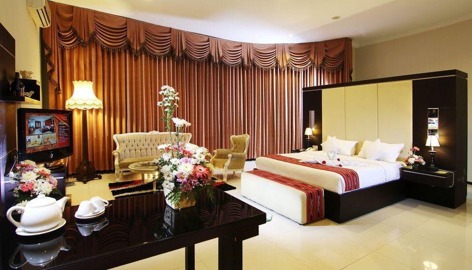 Ollino Garden Hotel Malang - President Suite