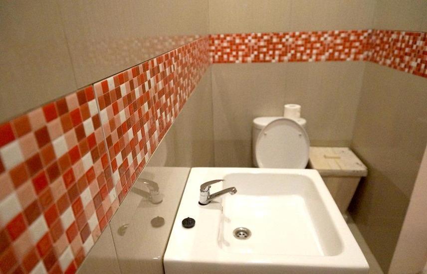 Simona Hotel Canggu Bali - Bathroom