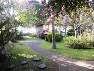 Bali Lovina Beach Cottages -
