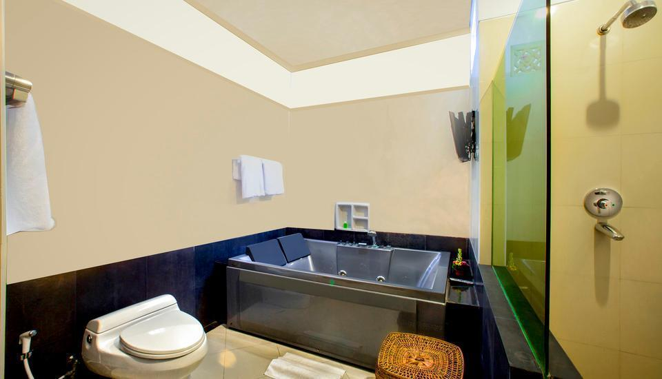 The Radiant Hotel Bali - Executive Bathroom