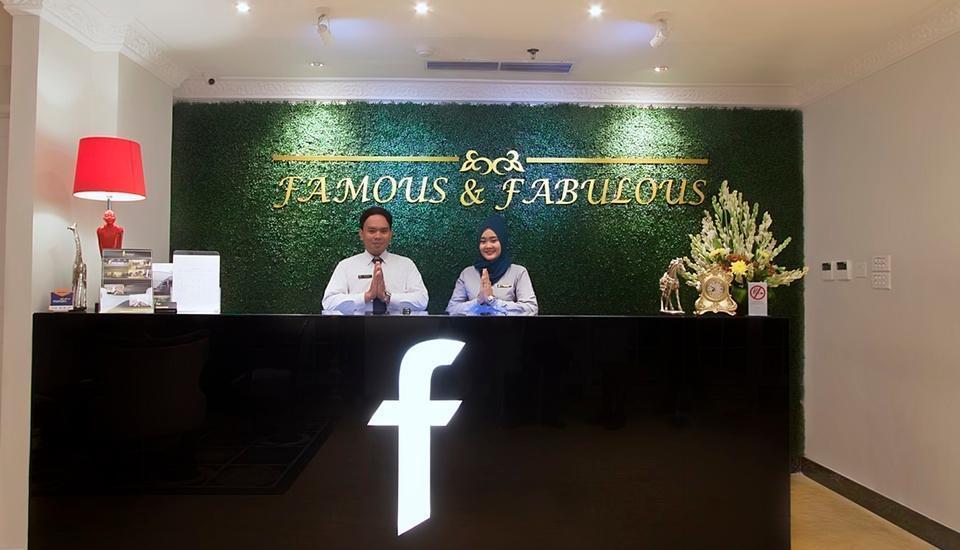 F Hotel Jakarta by Bencoolen - Front Office Desk