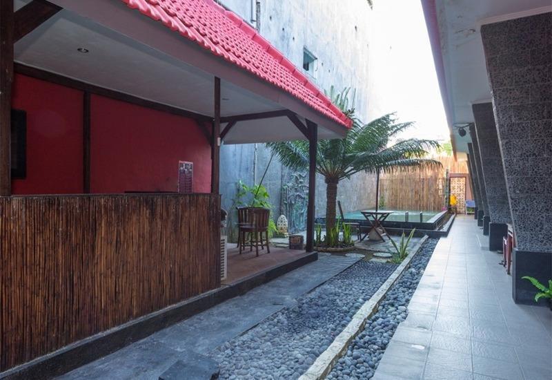 RedDoorz @Nakula Barat Legian Bali - Eksterior