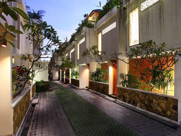 Villa Kayu Raja Bali - Jalan Setapak Villa