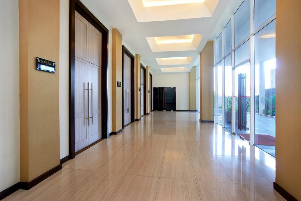 Cipta Hotel Pancoran - selasar ruangan rapat dan lobby samping