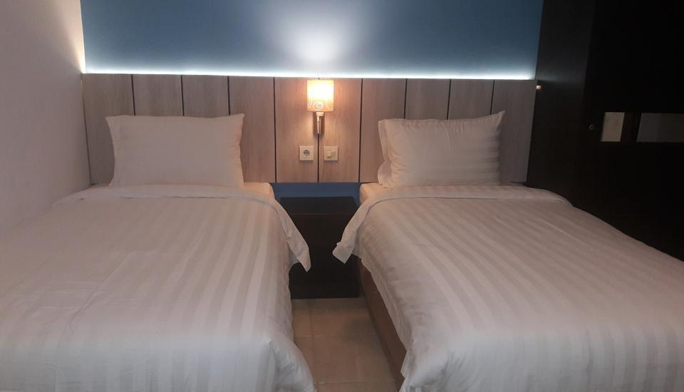 MELODY Guest House Cilegon - Deluxe Twin