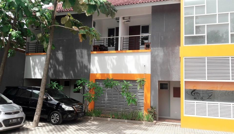 MELODY Guest House Cilegon - Parkiran