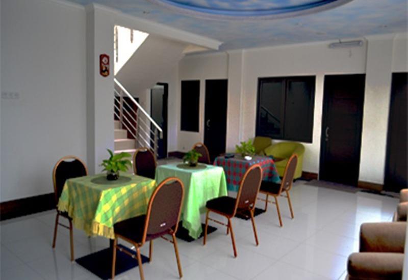 Rizh Garden Family Hotel Bandung - Interior