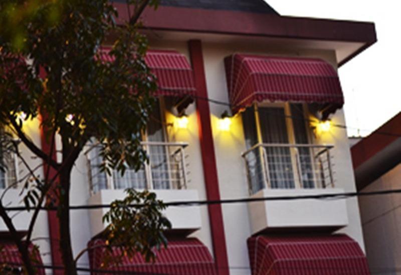 Rizh Garden Family Hotel Bandung - Eksterior
