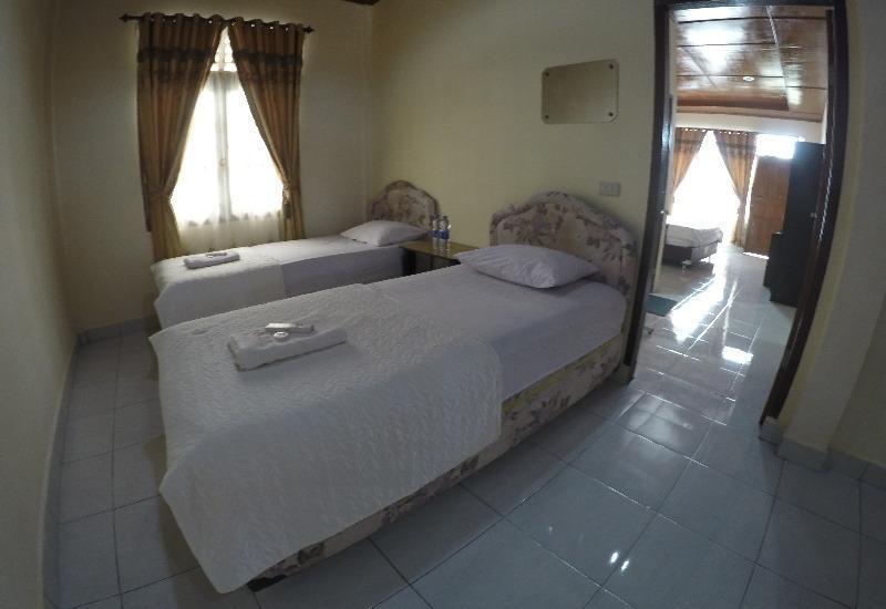 Anju Cottage Samosir - Family Lake View Regular Plan