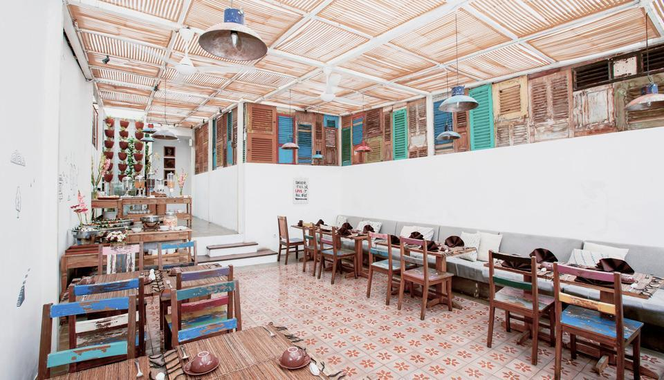 Adhisthana Hotel Yogyakarta - Lawas 613 Cafe and Restaurant