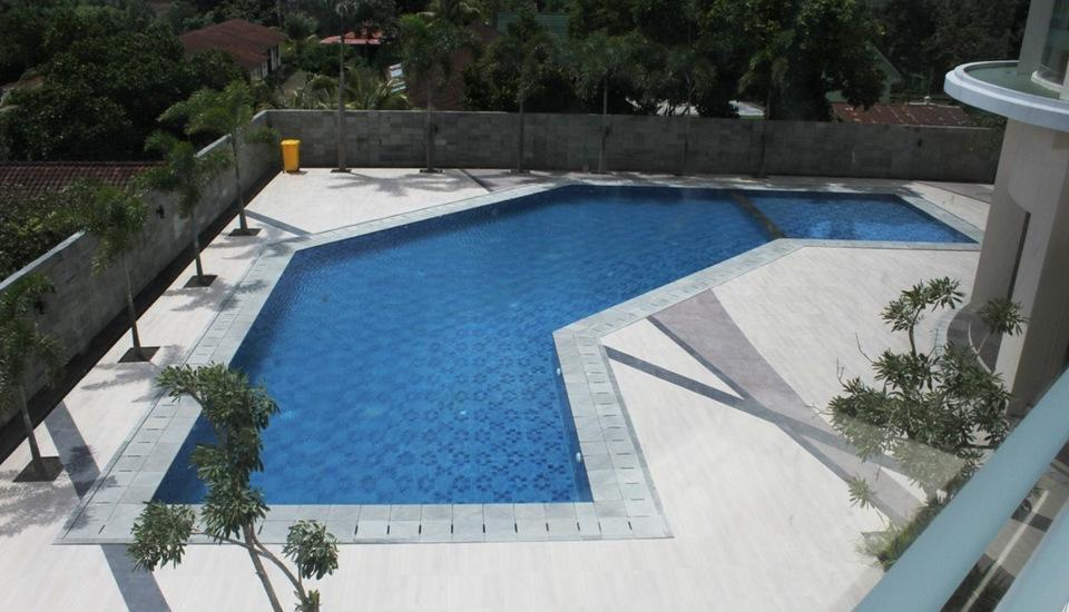 Golden Palace Lombok - Pool from top