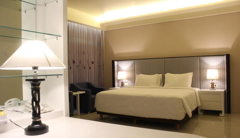 Golden Palace Lombok - Deluxe Room With Breakfast Regular Plan