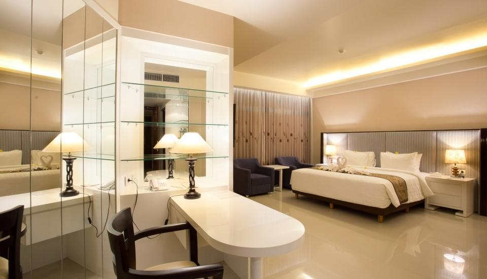 Golden Palace Lombok - Junior Suite King - Kamar Bebas Asap Rokok - Gratis Minibar Weekend Sale