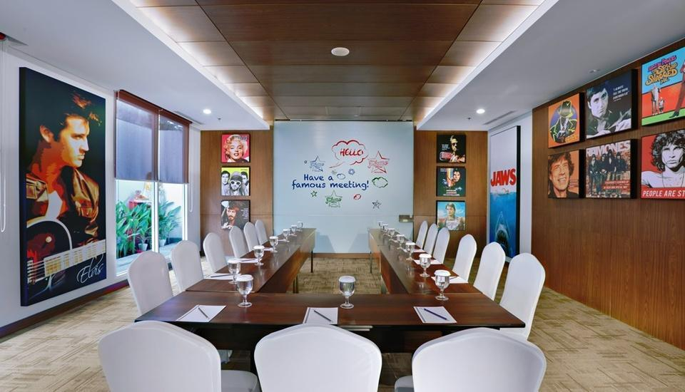 Fame Hotel Sunset Road Kuta Bali - Meeting Room