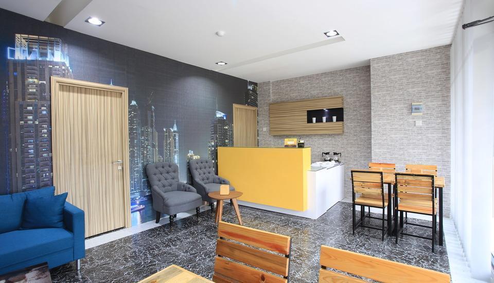 Lite Rooms Jakarta - Resepsionis