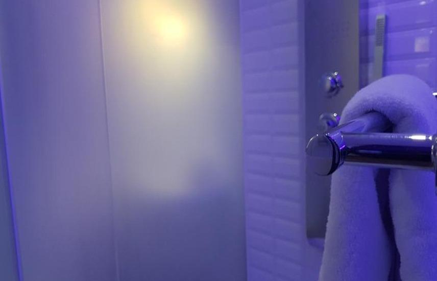 J iCon Hip Hotel Balikpapan - Kamar mandi