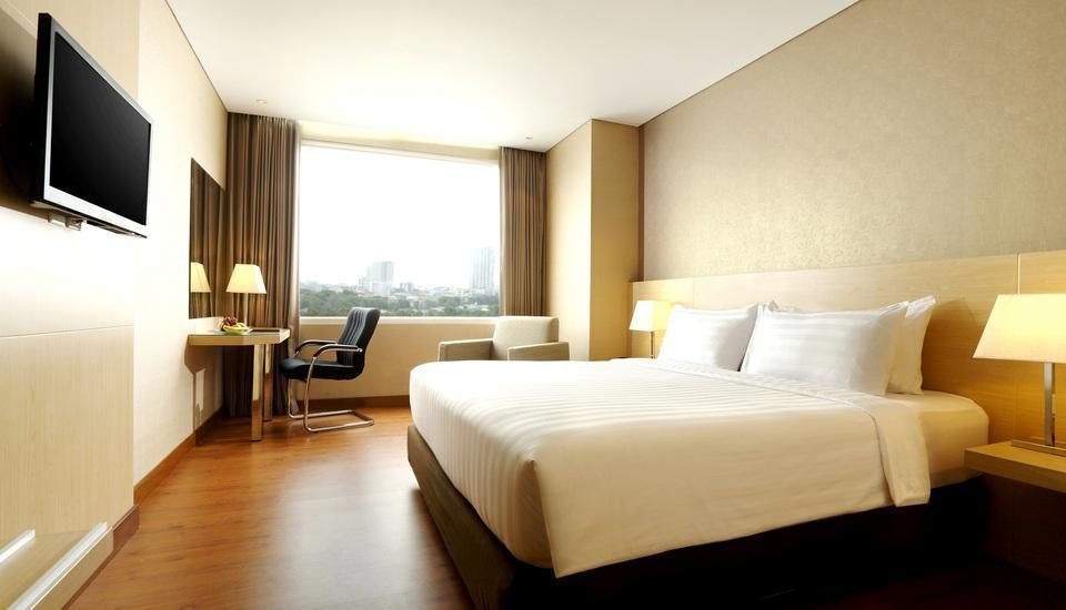 Santika Premiere Gubeng Surabaya - Deluxe Executive Room King Special Promo Weekend Deal