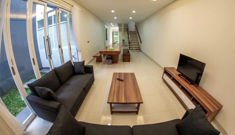 Brand New De Orion Villa Bandung - pic 2