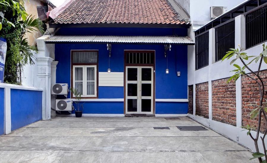 RedDoorz near Pasar Baru Trade Center Bandung - Eksterior