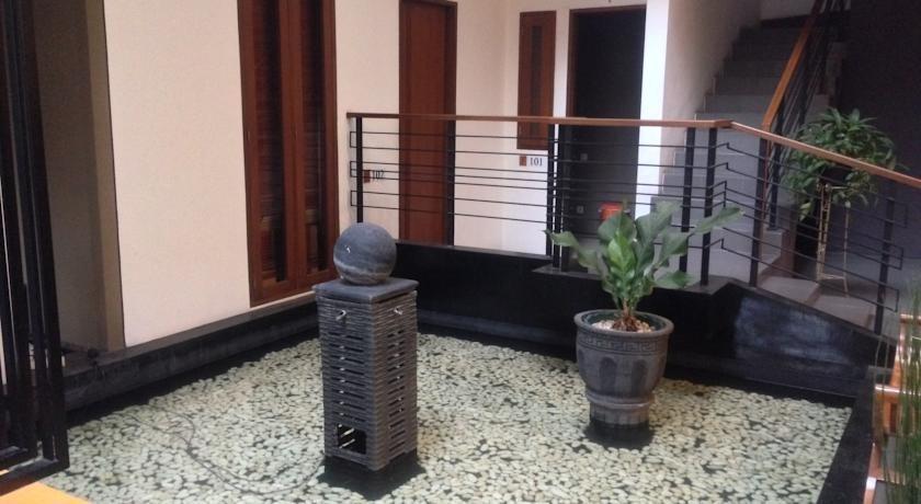 Farila Guesthouse 2 Surabaya - Interior