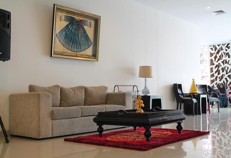 Ameera Hotel Pekanbaru - Ruang tamu