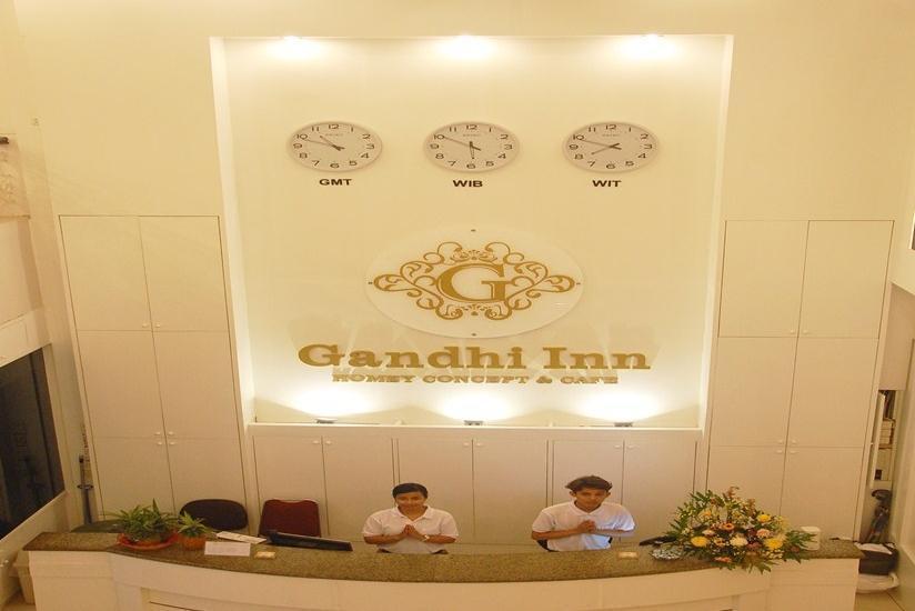 Gandhi Inn Medan - Resepsionis