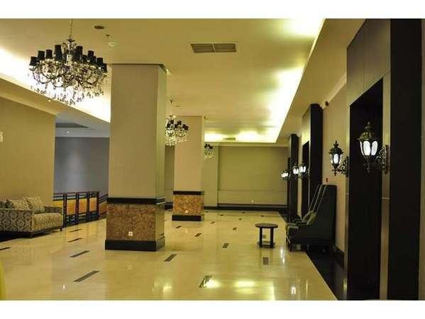 Emerald Garden Hotel Medan - Prefunction Ballroom