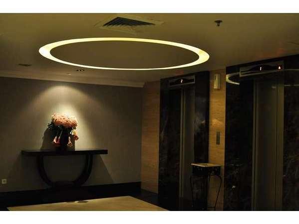 Emerald Garden Hotel Medan - Koridor tamu Lift