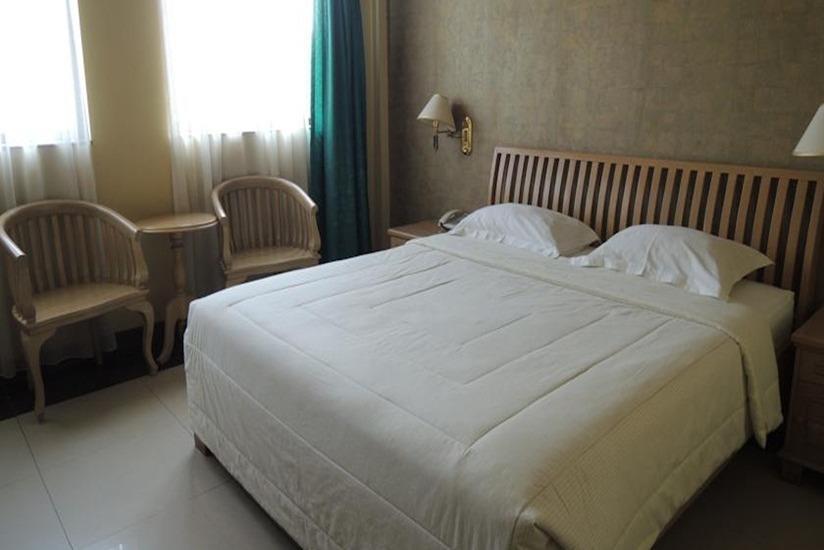 Green Wattana Hotel Sentul - Kamar tamu