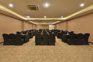 Serela Waringin Hotel Bandung - Scarlet