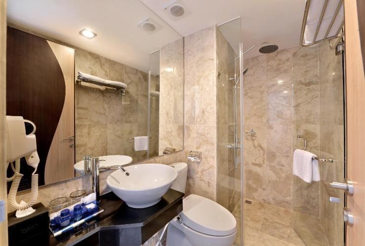 Serela Waringin Hotel Bandung - Superior Bathroom