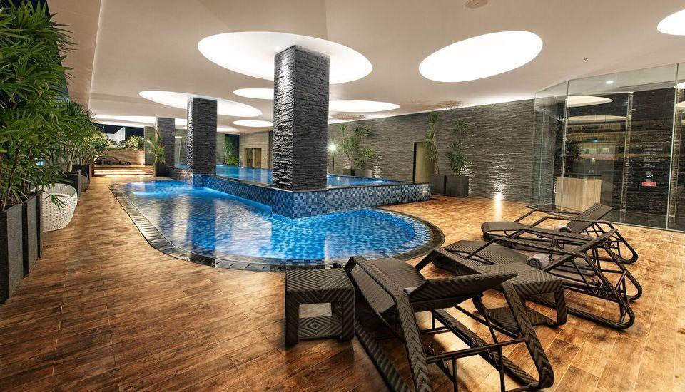Melia Makassar - Pool