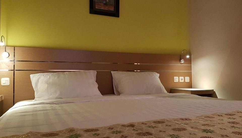 Budget Hotel Ambon - Executive Room #WIDIH - Pegipegi Promotion