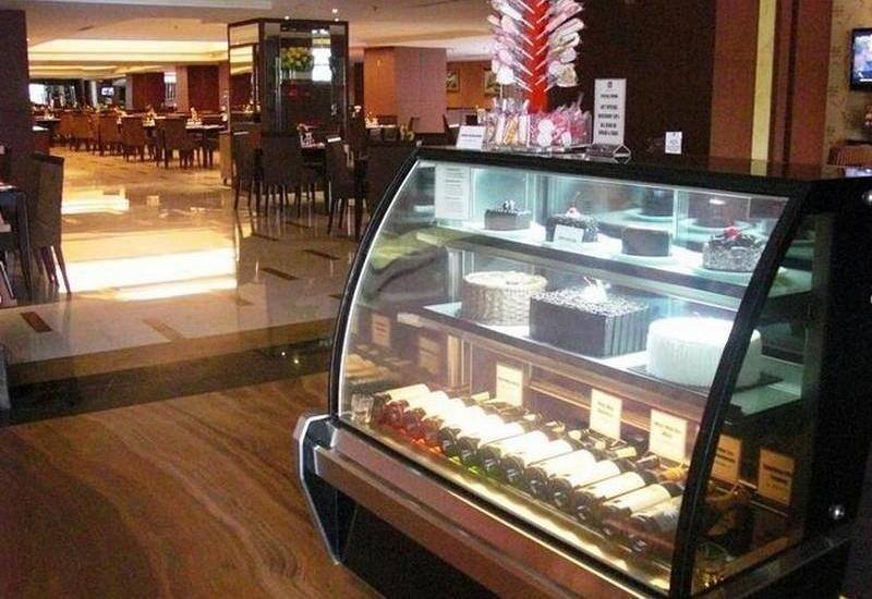 Best Western Mangga Dua - Cake Shop