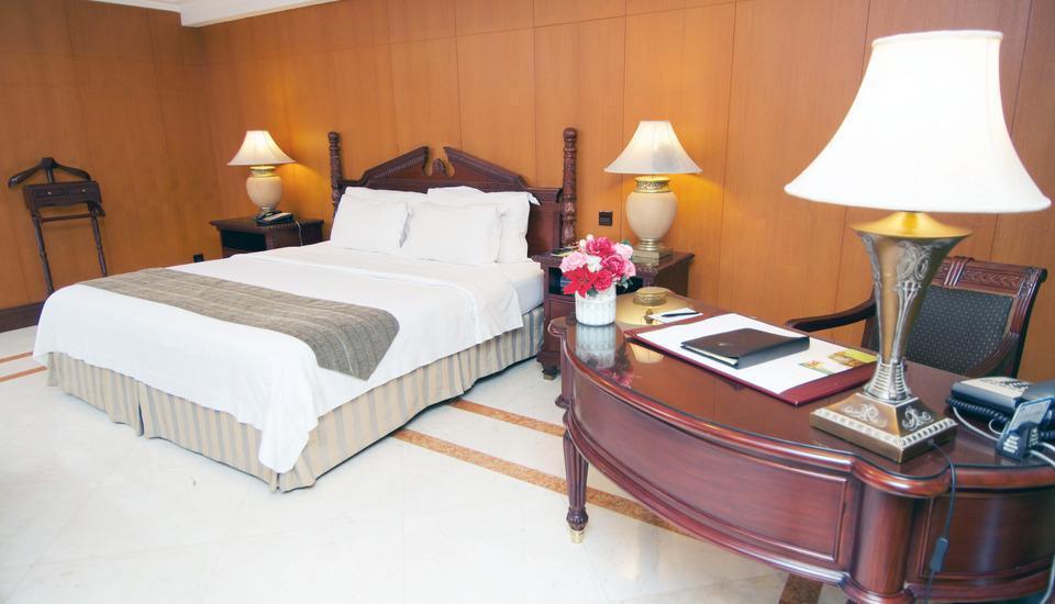 Sunlake Hotel Jakarta - Ambassador Suite Room