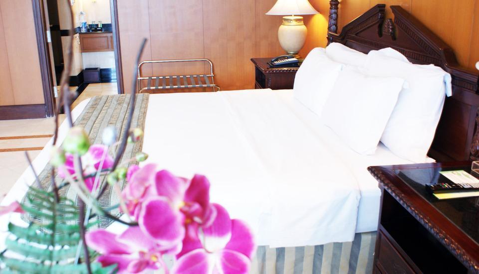 Sunlake Hotel Jakarta - Ambassador Suite Room With Breakfast Regular Plan