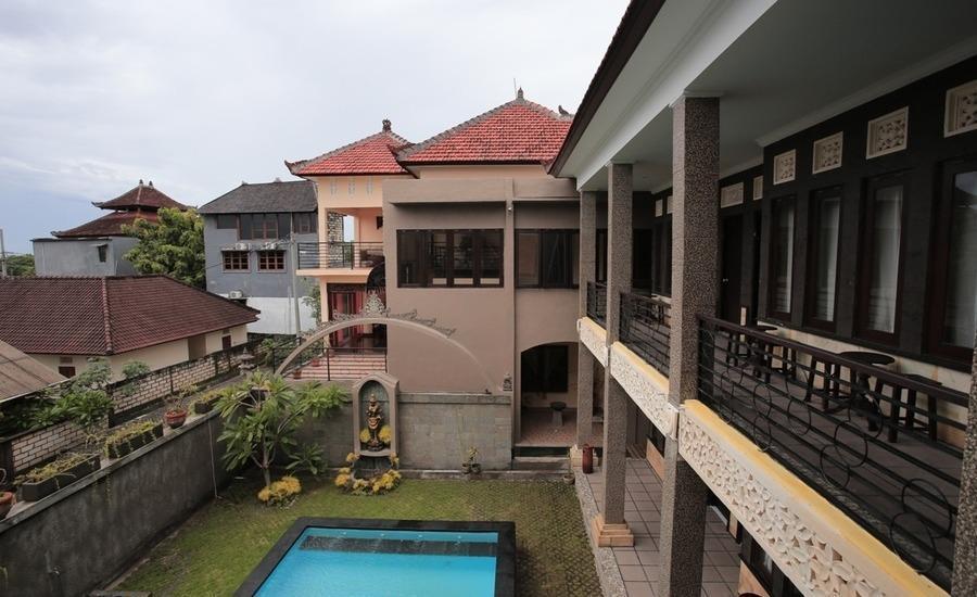 RedDoorz @Goa Gong Jimbaran Bali - Eksterior