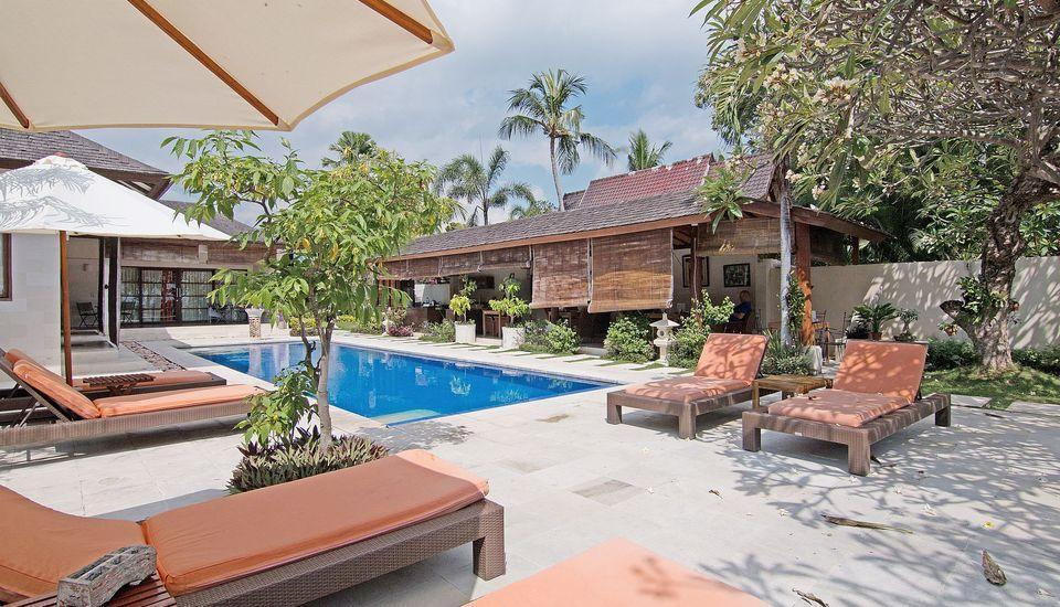 ZenRooms Lovina Sea Shores Bali - Kolam Renang