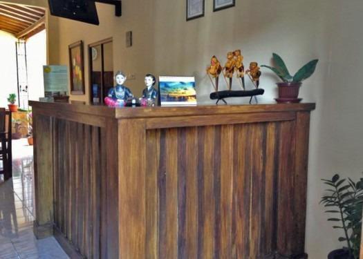 Larasati Guest House Yogyakarta - Resepsionis