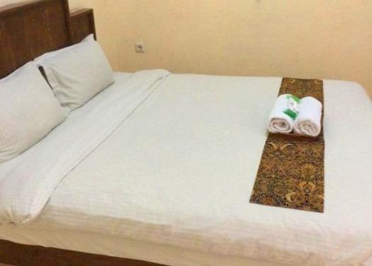 Larasati Guest House Yogyakarta - Kamar
