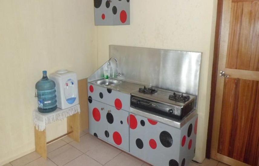 Tuk Tuk Timbul Bungalows Samosir - Dapur